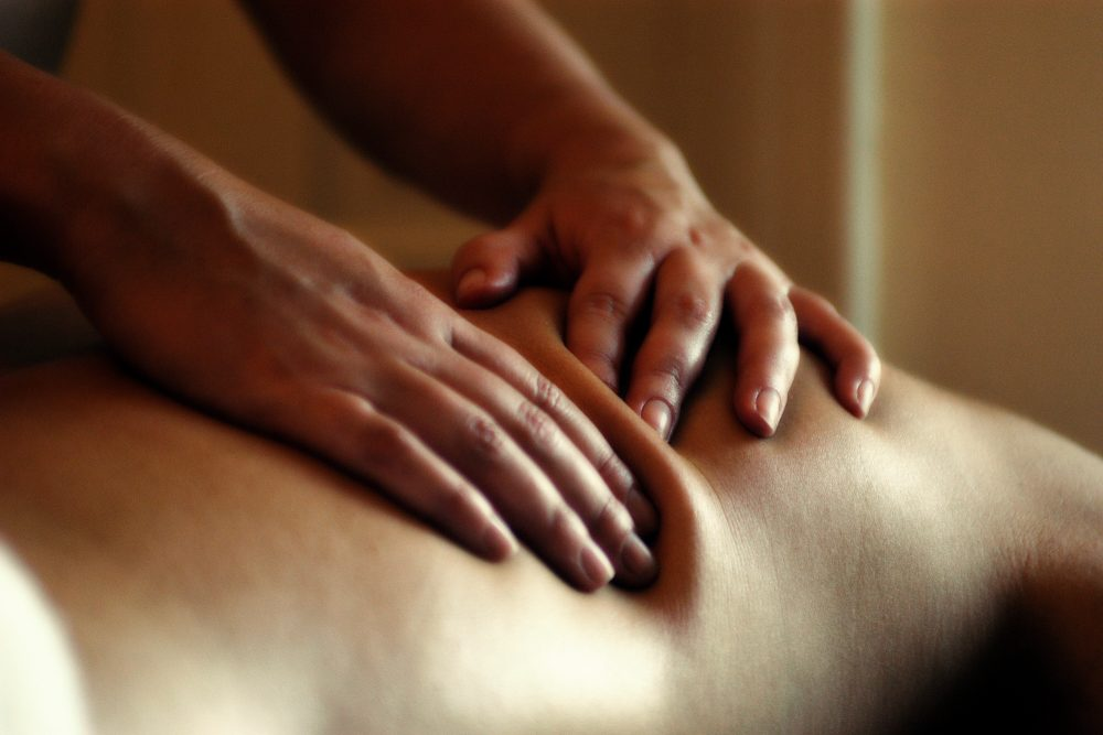 tailored massage with Rachel Hawkes