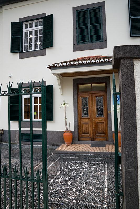 Residential Walkway Entrance