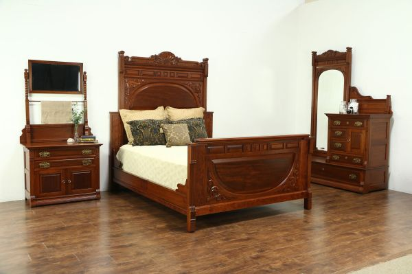 Antique Mahogany Bedroom - Year of Clean Water