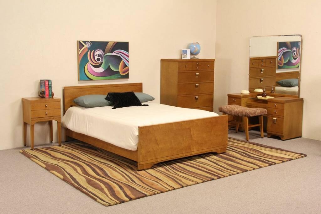 SOLD  Midcentury Modern 5 Pc Curly Birdseye Maple Bedroom Set 1950s Vintage  Harp Gallery