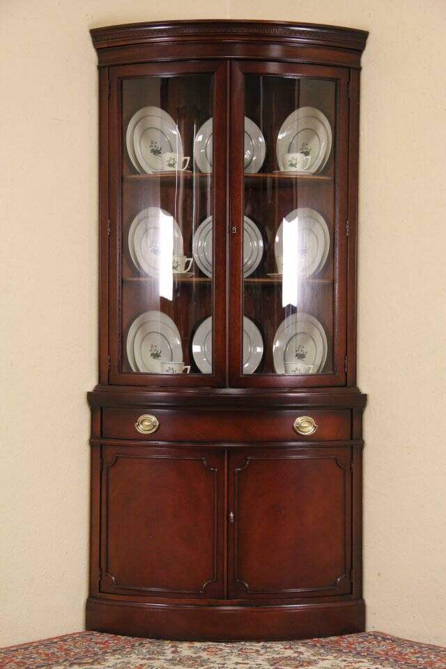 Drexel Travis Court Mahogany 1950s Vintage Curved Glass