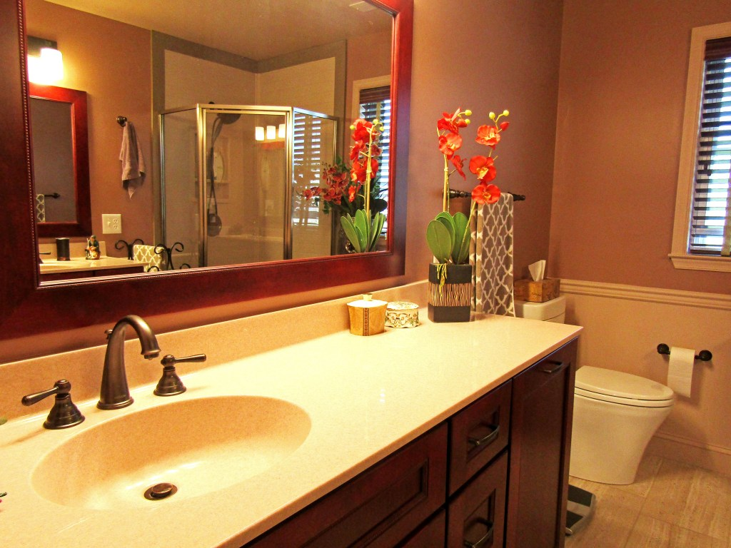 His & Hers Master Bathroom (B-100)