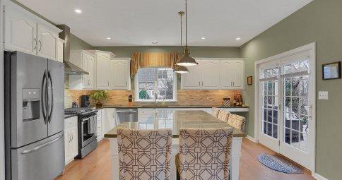 Gorgeous Green Kitchen