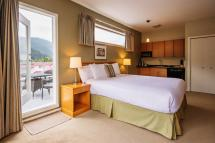 Harrison Hot Springs Accommodation Deluxe Guest Bedrooms