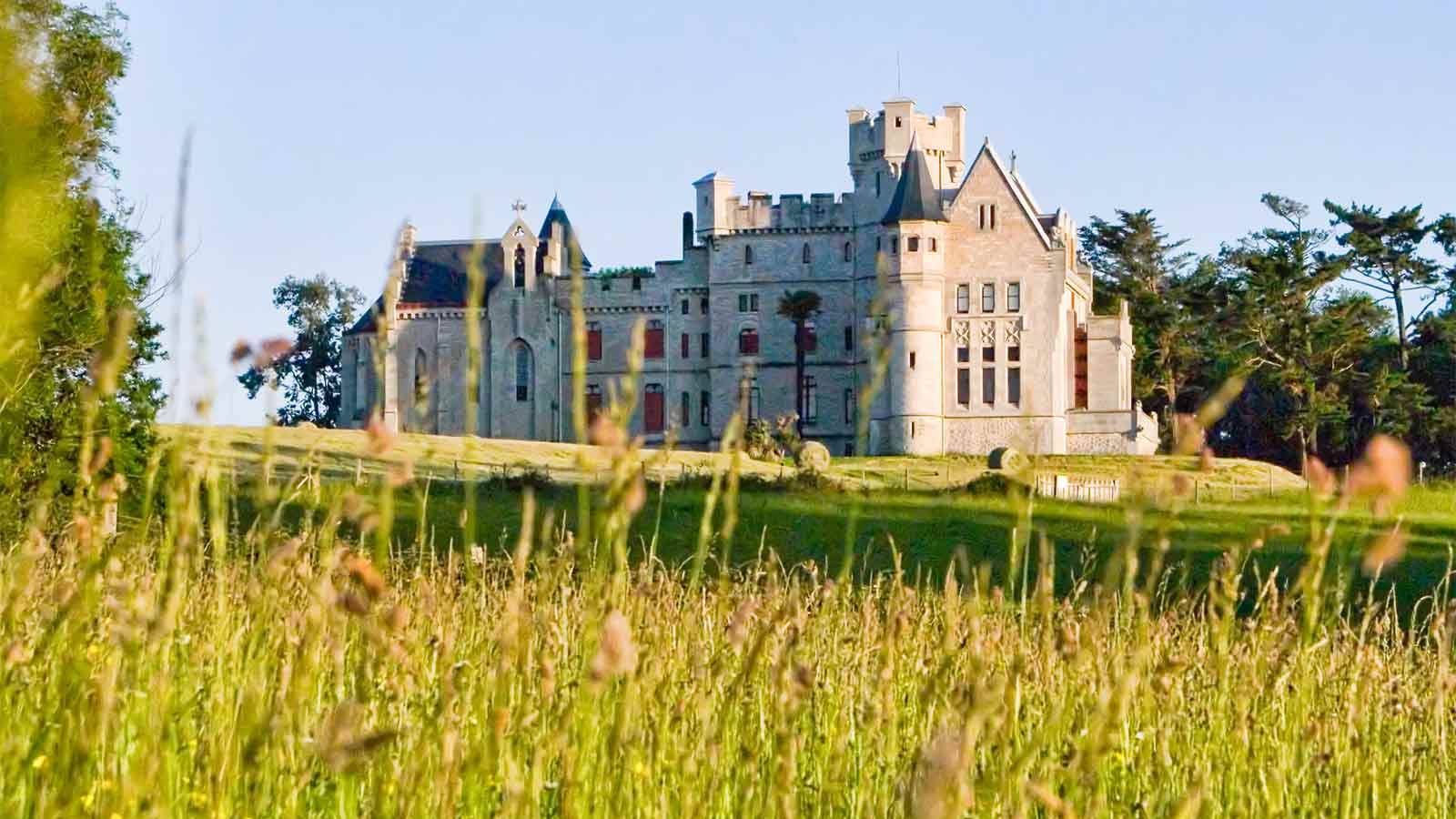 Chateau Abbadia Hendaye  Visiter Hendaye proche camping Pays Basque