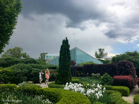 Last Year A Lucky Guest Won A Flight To See The Famous Longwood And  Chanticleer Botanical Gardens Near Philadelphia With A Stay At A Luxury  Brandywine ...