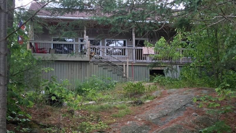 An Off-Grid Muskoka Cottage Built from Scratch