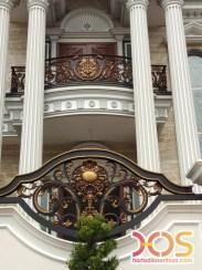 Railing Balkon Besi Tempa Klasik Mewah Modern (89)