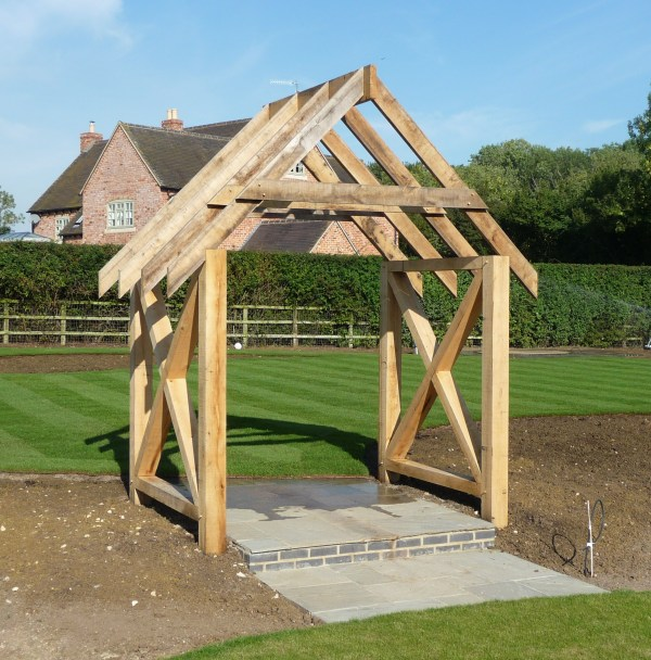 Oak Structure constructed by Stuart Smith Landscapers