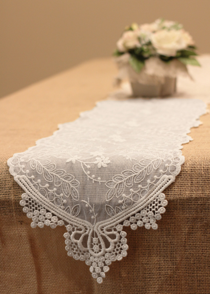white chair covers with ivory sash rocking chairs at cracker barrel lace table runner