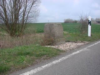 Bild: Der Blutstein von Lieskau bei Halle an der Saale.