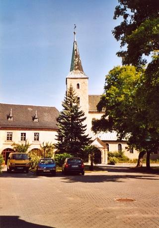 Bild: Im Außenbereich des Klosters Huysburg.