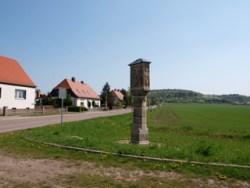 Bild: Die Betsäule von Zappendorf.