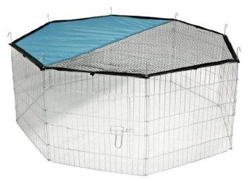 Das Kerbl Freigehege aus 8 Gittern verzinkt ist verzinkt, hat eine verschließbare Tür und ein mit Sonnenschutz integriertes Dachnetz. Der Hasen und Kaninchen Freigehege bzw. Außengehege im Testbericht.