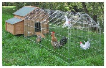 Das Das Kerbl großes Freilaufgehege verzinkt mit Sonnenschutz ist ein großes Freilaufgehege für Hasen und Kaninchen. kann direkt mit einem Stall verbunden werden.