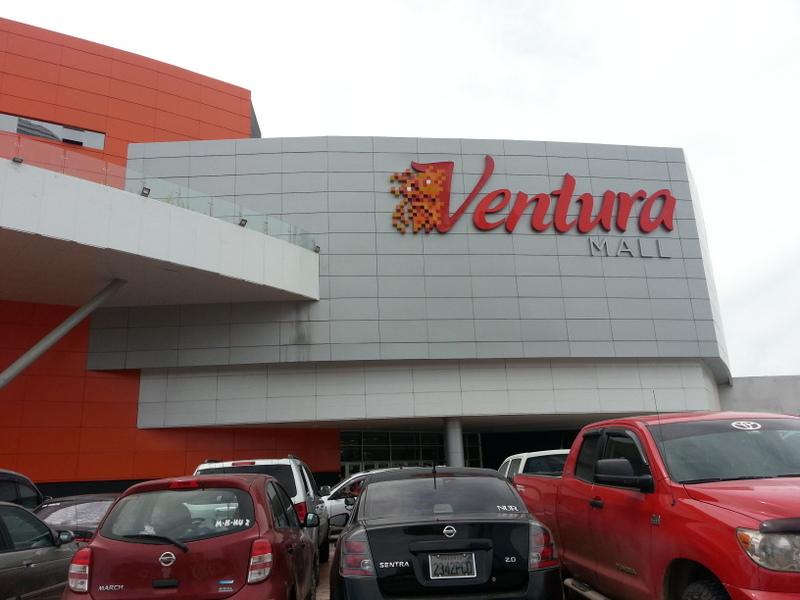 Ventura Mall en Santa Cruz de la Sierra