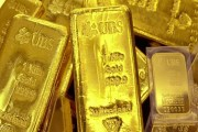 الذهب يلامس أعلى سعر في 7 أسابيع