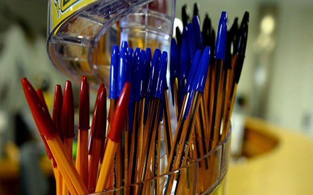 الصين تنجح في صناعة أول قلم حبر جاف