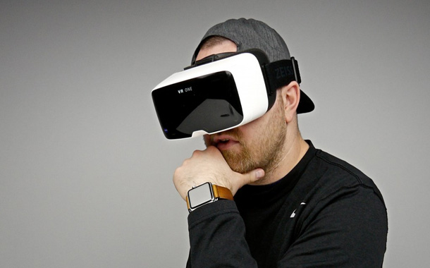 صناعة الواقع الافتراضي ستصل 7.2 مليار دولار في 2017