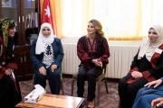 الملكة تتفقد مشاريعاً لمؤسسة نهر الأردن في محافظة جرش