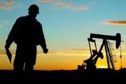 النفط يرتفع والدولار على إنخفاض