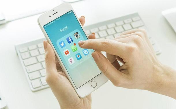 3 معلومات لا ينبغي مشاركتها على مواقع التواصل