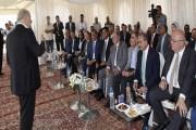 رئيس الوزراء يفتتح مشروعا زراعيا رياديا في جنوب عمان لزراعة 17 الاف دونم