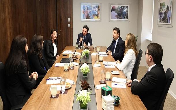 الأمير الحسين بن عبدالله الثاني يترأس اجتماعا لمؤسسة ولي العهد