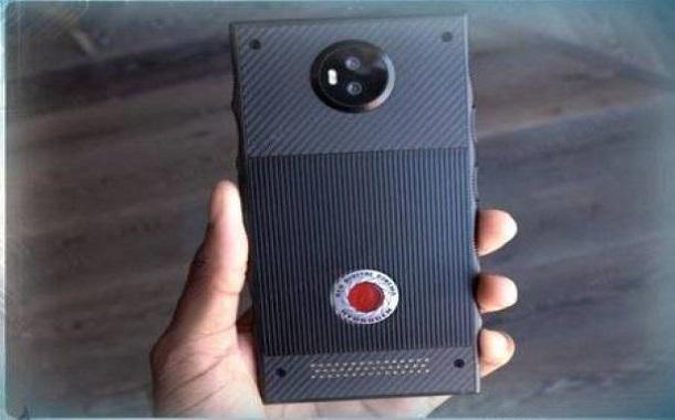 الإعلان عن أول هاتف ذكي بكاميرا سينمائية عالمية