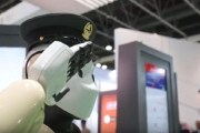 شرطة دبي: سنفتح باب التعيينات لروبوتات في السلك العسكري