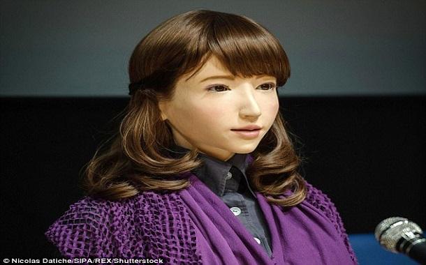 الروبوت إريكا مذيعة أخبار بتلفزيون ياباني قريباً