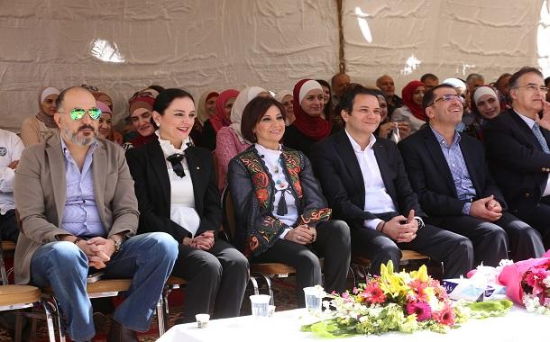 وزارة الاتصالات تحتفل بذكرى الكرامة ويوم الام وتكرم ذوي شهداء