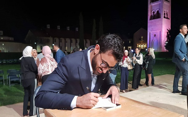 الأردني عبدالله ابو الشيخ يطلق كتابه الشعري الأول باللغة الانجليزية