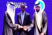 الدكتور نصّار منصور يفوز بجائزة الإبداع العربي