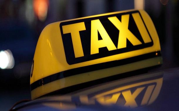 تنظيم النقل: الأولوية للتاكسي الأصفر في التطبيقات الذكية