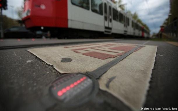 إشارات مرور ألمانية لمستخدمي الهاتف الذكي