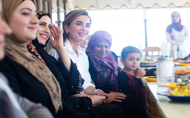الملكة رانيا العبدالله تلتقي سيدات ناشطات في عجلون