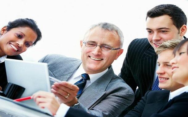 إدارة العلاقة بين المدير وموظفيه