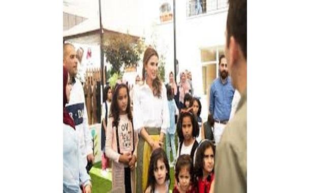 الملكة رانيا تطلع على أعمال صيانة مبرة الملك عبدالله الثاني