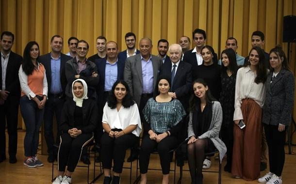 الدكتور أبوغزاله يلقي خطابا رئيسا في جامعة كولومبيا في نيويورك