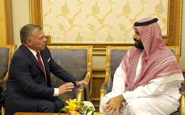 الملك يلتقي ولي العهد السعودي ويحضر جانباً من مؤتمر مبادرة مستقبل الاستثمار