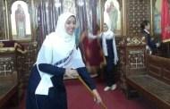 صور بألف كلمة....... مسلمات ينظفن كنيسة في مصر