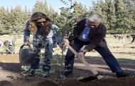 الملك والملكة يشاركان بغرس الأشجار في غابة الكمالية بمناسبة يوم الشجرة