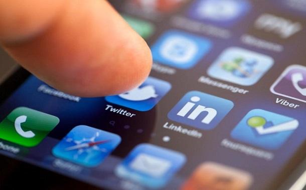تويتر تطلق خاصية تنظيم التغريدات وفقاً لوقت نشرها رسمياً لنسحة الأندرويد