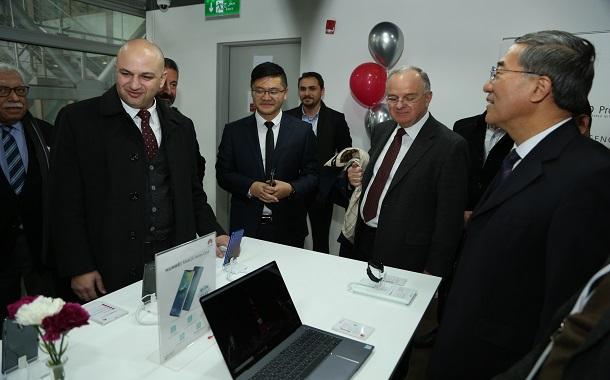 بداية جديدة لــ Huawei في 2019