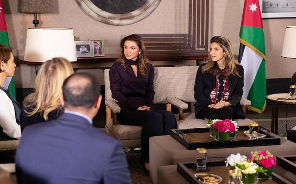 الملكة رانيا تلتقي الفائزين بجائزة الملكة رانيا لريادة التعليم
