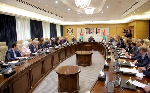 الرزاز: التعديل الوزاري يهدف إلى النهوض بالأداء الحكومي