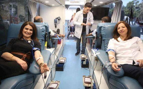 كابيتال بنك ينظم حملة لموظفيه للتبرع بالدم