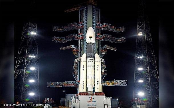 الهند تقترب من إنجاز تاريخي على القمر