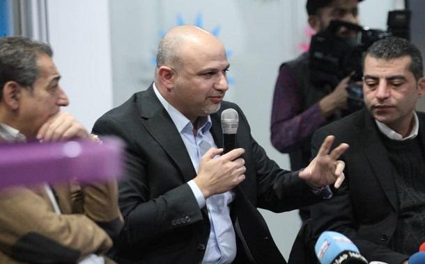 الغرايبة : المفاوضات مستمرة مع مشغلي الاتصالات لحل مشاكل القطاع- صور